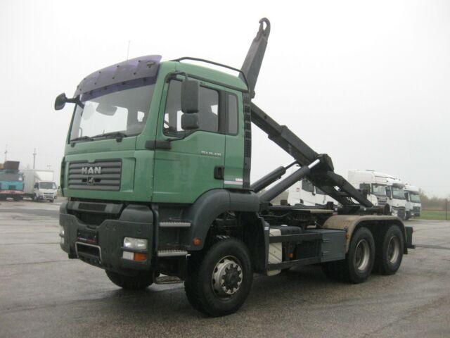 hákový nosič kontajnerov MAN - TGA 26.400 6x6 BL VDL 21t